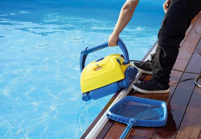 Síndico como está o tratamento da água das piscinas de seu condomínio?